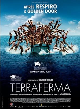 Sur une petite île au sud de la Sicile, une mère, son fils et le grand-père ont du mal à vivre de la pêche.  Ils décident de restaurer leur maison pour la louer aux touristes. Lors d'une sortie en mer, ils sauvent de la noyade un groupe de clandestins africains qui se réfugient chez eux.  Film italien de Emanuele Crialese, sorti en France le 14/03/2012, avec Mimmo Cuticchio, Donatela Finocchiaro et Filippo Pucillo.   LIRE LA CRITIQUE