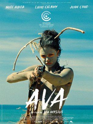 Ava, 13 ans, est en vacances au bord de l'océan quand elle apprend qu'elle va perdre la vue plus vite que prévu.  Sa mère décide de faire comme si de rien n'était pour passer le plus bel été de leur vie.  Ava affronte le problème à sa manière. Elle vole un grand chien noir qui appartient à un jeune homme en fuite…  Film français de Léa Mysius, sorti en France le 21 juin 2017 avec Noée Abita, Laure Calamy, Juan Cano et Tamara Cano.  LIRE LA CRITIQUE