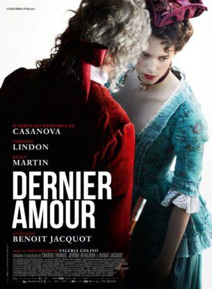 Au XVIIIe siècle, Casanova, connu pour son goût du plaisir et du jeu, arrive à Londres après avoir dû s'exiler. Dans cette ville dont il ignore tout, il rencontre à plusieurs reprises une jeune courtisane, la Charpillon, qui l'attire au point d'en oublier les autres femmes. Casanova est prêt à tout pour arriver à ses fins mais La Charpillon se dérobe toujours sous les prétextes les plus divers. Elle lui lance un défi, elle veut qu'il l'aime autant qu'il la désire.  Film français de Benoît Jacquot, sorti en France le 20 mars 2019, avec Vincent Lindon, Stacy Martin, et Valeria Golino.  LIRE LA CRITIQUE